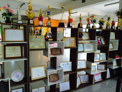 Awards at the Dhammarjarinee Witthaya school